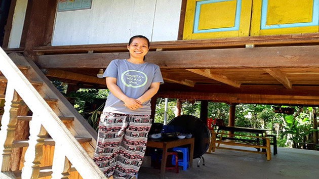 Cô Gái Trẻ Bỏ Thành Phố Về Quê Làm Homestay